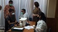 Antusiasnya Warga Ikut Vaksinasi COVID CT Corp Pakai Pfizer di Medan