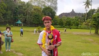 Galang Dana, Pemuda ini Solo Marathon 51 Km Kelilingi Candi Borobudur