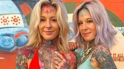 8 Pesona Kembar Identik yang Tubuhnya Penuh Tato Warna-warni