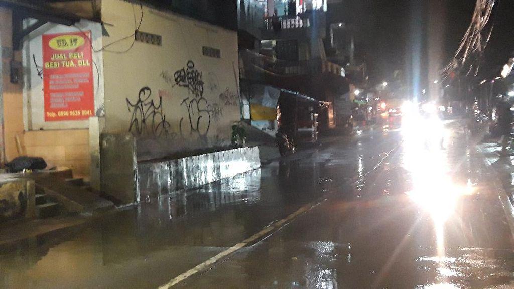 Jalan Kemang Utara IX Jaksel Sempat Banjir Imbas Hujan Deras