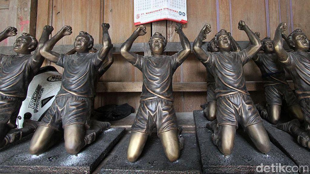 Patung Pemain Bola Made in Sukoharjo Tembus Eropa