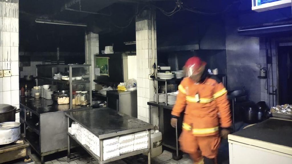 Kebakaran di Hotel Elmi, 5 Orang yang Sesak Napas dari 3 Kamar