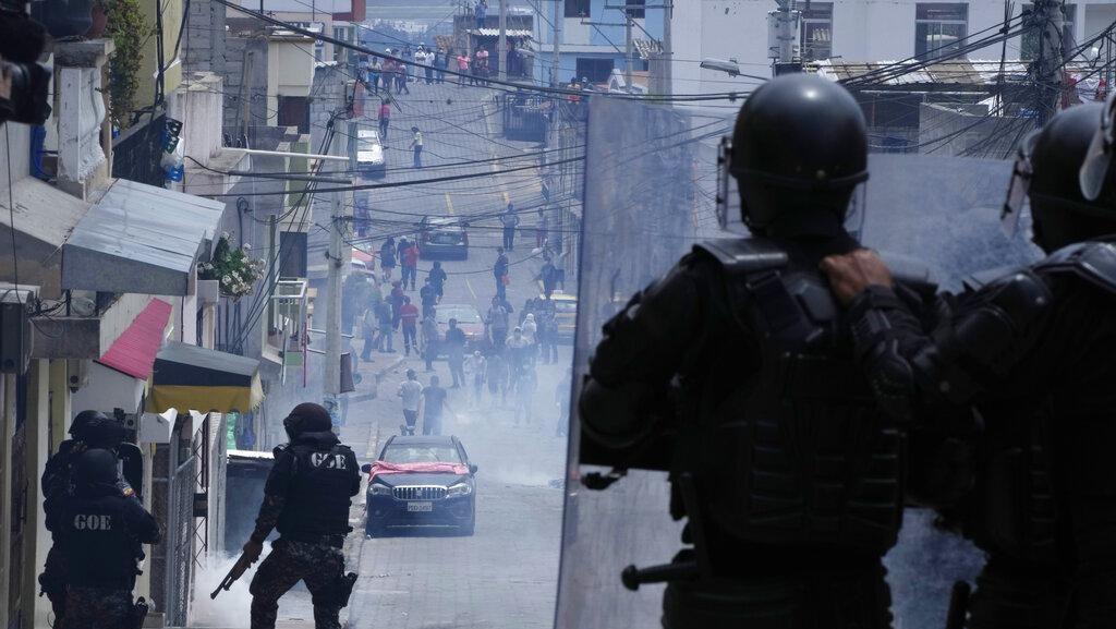 Kenaikan Harga Bahan Bakar Bikin Ekuador Bergejolak