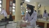 Menengok Kuliah Tatap Muka Praktikum di Fakultas Peternakan IPB University