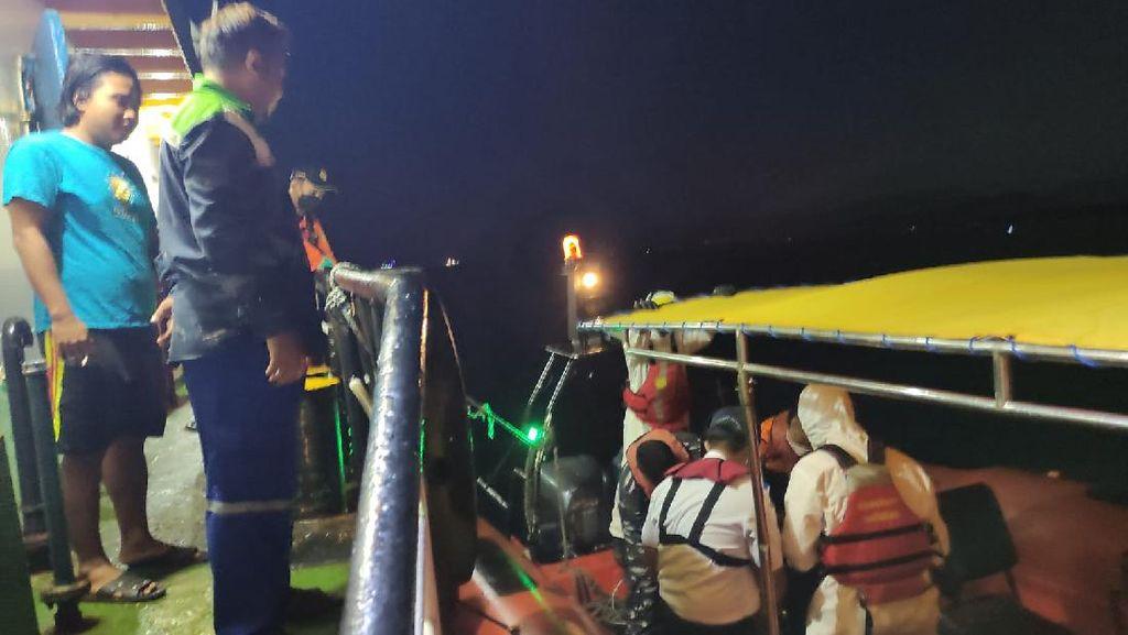 2 ABK KM Liberty Tenggelam di Laut Bali Dievakuasi ke Pelabuhan Lembar NTB