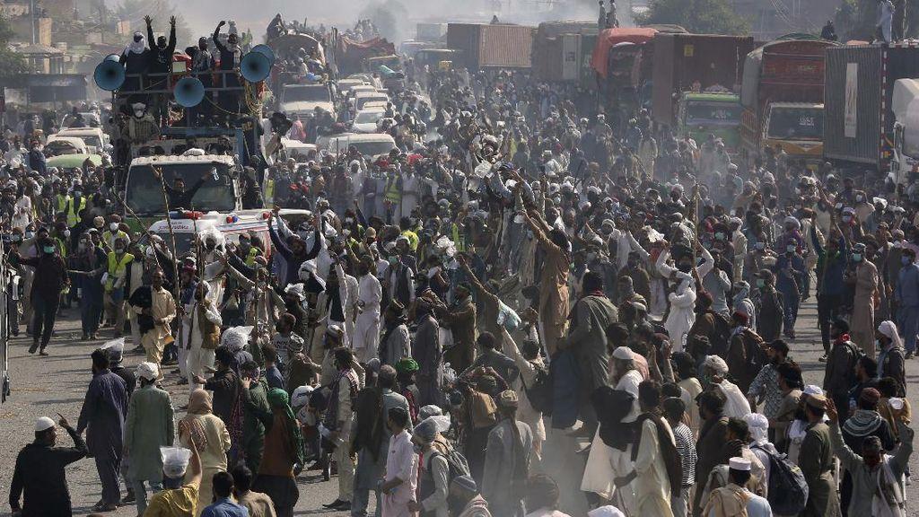 Unjuk Rasa Anti-Prancis di Pakistan Berujung Ricuh