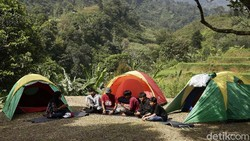 Yuk Kemping di Desa Wisata Kiarasari Bogor