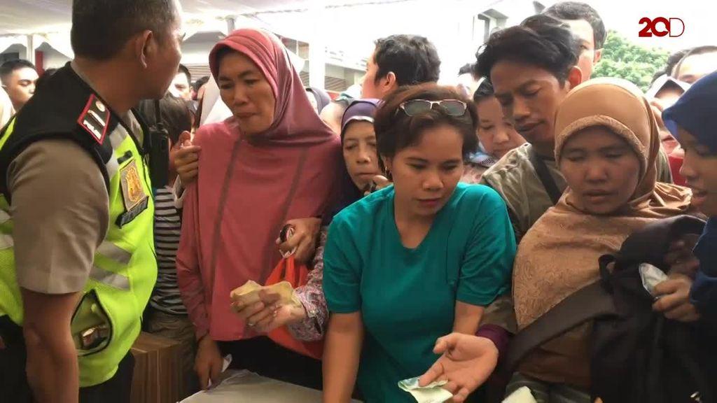 Penjualan Sembako Subsidi Bulog di CFD Kacau