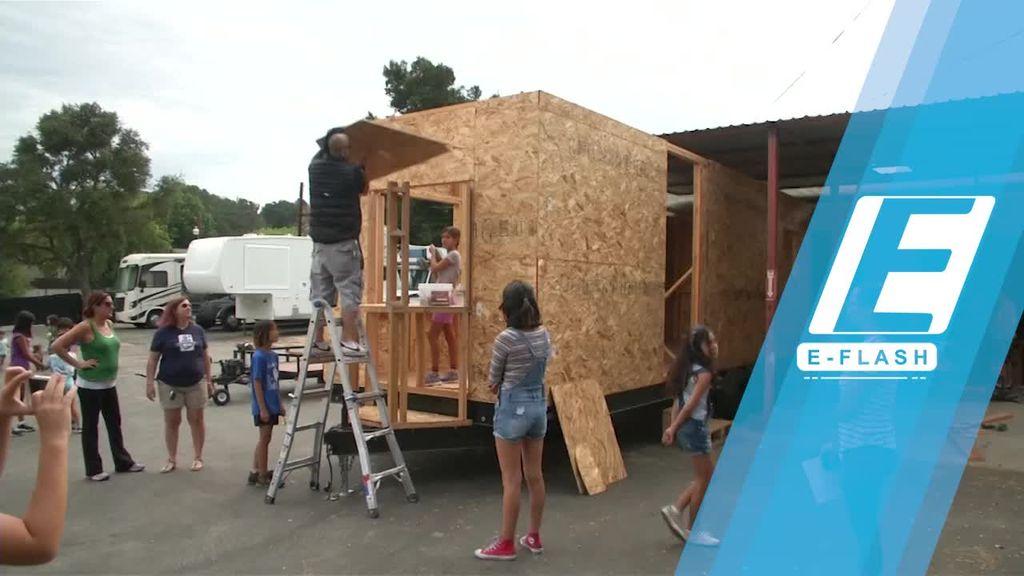 Pria Ini Bikin Rumah-rumah Mini untuk Tunawisma