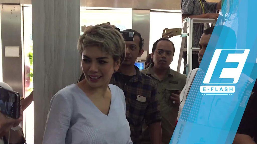 Nikita Mirzani Penuhi Panggilan Polisi