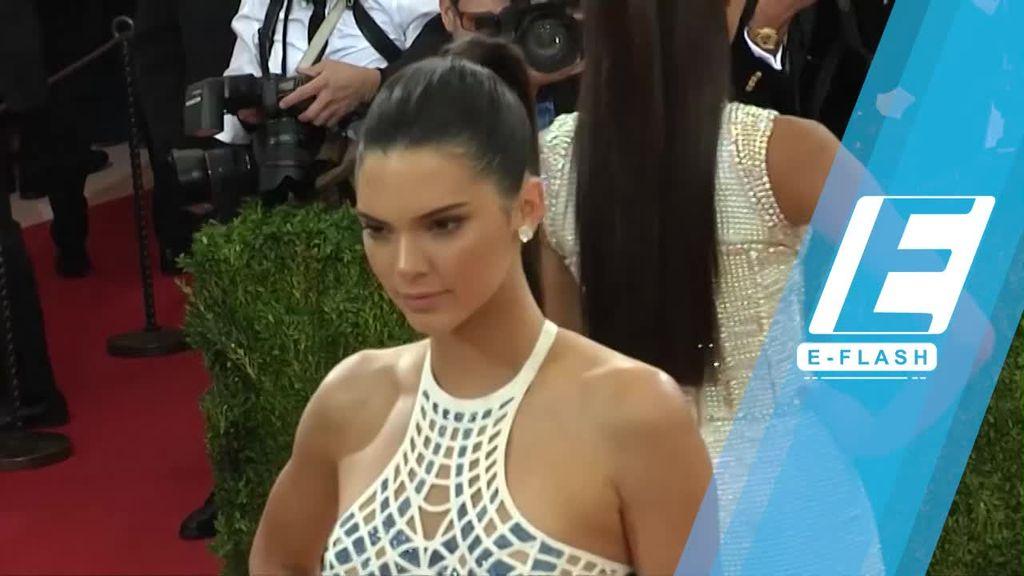 Wow! Kendall Jenner Jadi Model Termahal 2017