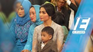 Gemas! Ethes Anteng Banget di Resepsi Kahiyang-Bobby di Medan