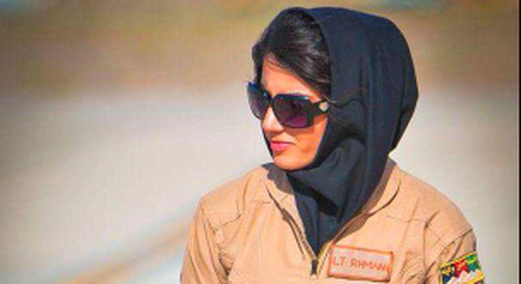 Ini Pilot Cantik Afghanistan yang Kini Jadi Kontroversi