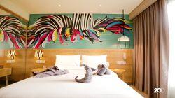 Hotel Bernuansa Colorful dengan Pemandangan Gunung Salak