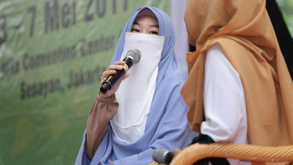 Cerita Larissa Chou Menantu Ustaz Arifin Ilham soal Nikah Muda