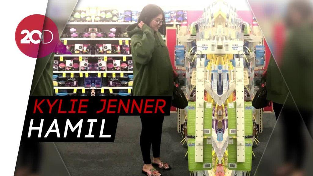 Heboh Foto Mirip Kylie Jenner dengan Perut Hamil