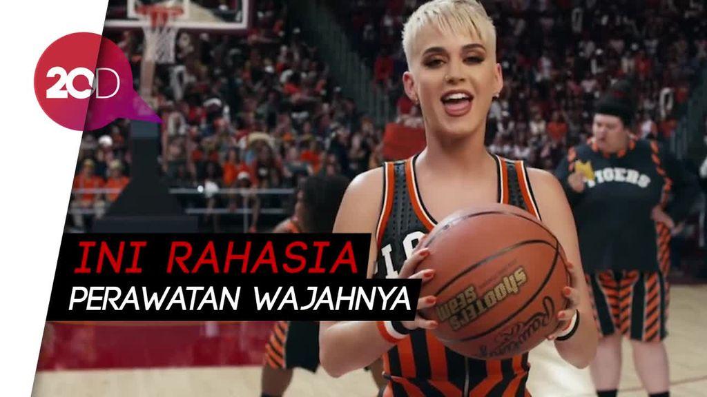 Katy Perry Tegaskan Tak Pernah Operasi Plastik pada Wajahnya