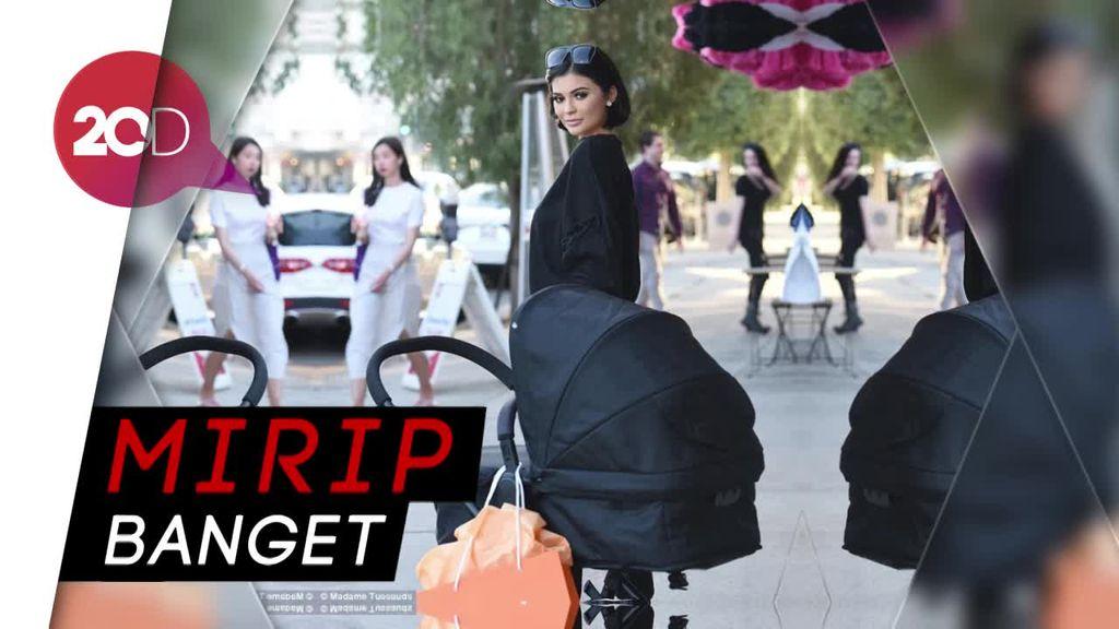 Heboh Patung Lilin Kylie Jenner di Toko Perlengkapan Bayi