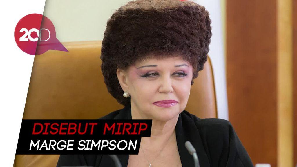 Nyentrik! Gaya Rambut Senator Rusia Ini Nyuri Perhatian Netizen