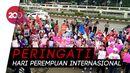 Parade Juang Perempuan Indonesia Serukan Tuntutan di Gedung DPR