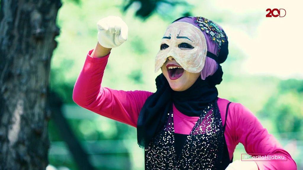 Cinta Besar Unon Saraswati untuk Pantomim
