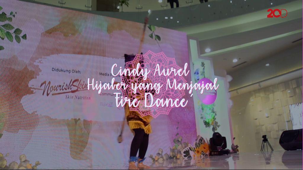 Cindy Aurel Hijabers Yang Menjajal Fire Dance