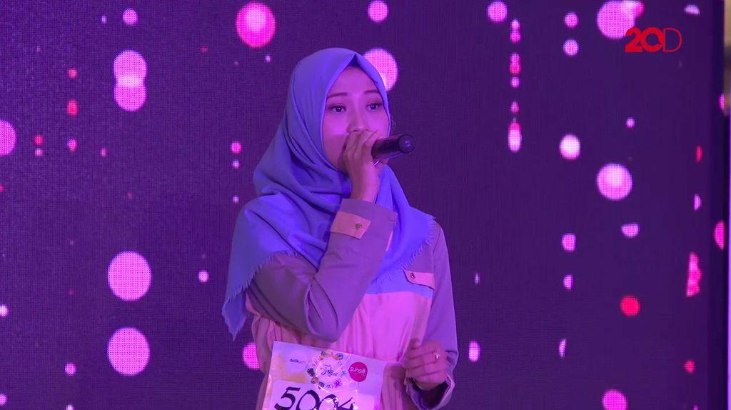 20 Besar Makassar - Nyanyian Rosfiah Urbani