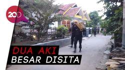 Densus 88 Geledah Rumah Terduga Teroris di Cirebon