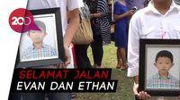 Pemakaman Kakak Beradik Korban Bom Gereja Diselimuti Haru