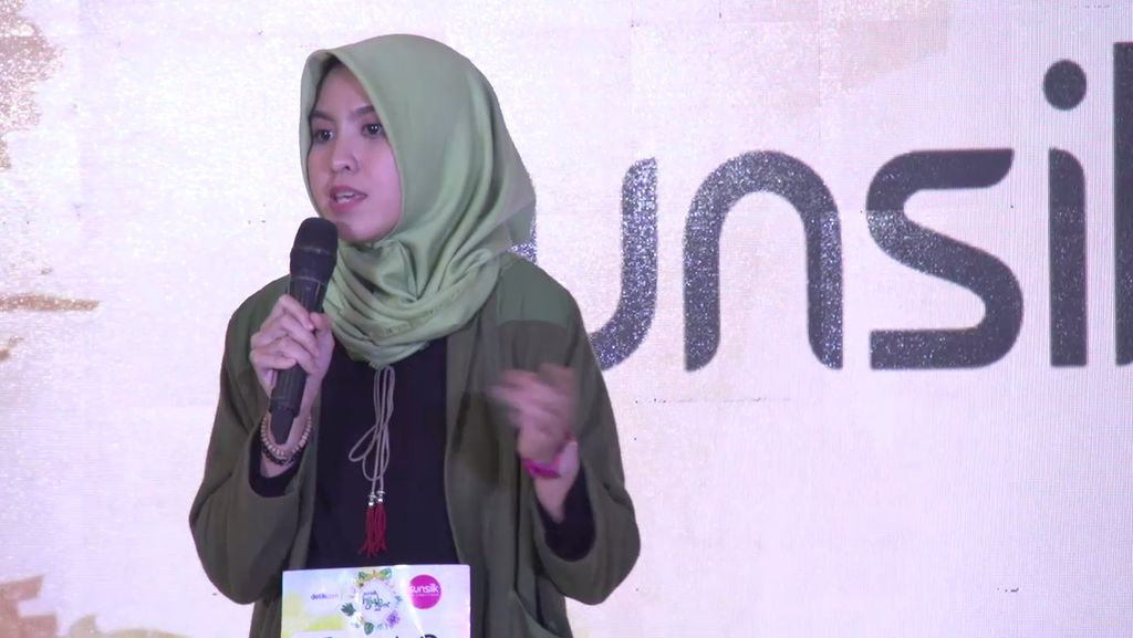 20 Besar Jakarta - Penampilan Stand Up Comedy Hanifa Rahmi