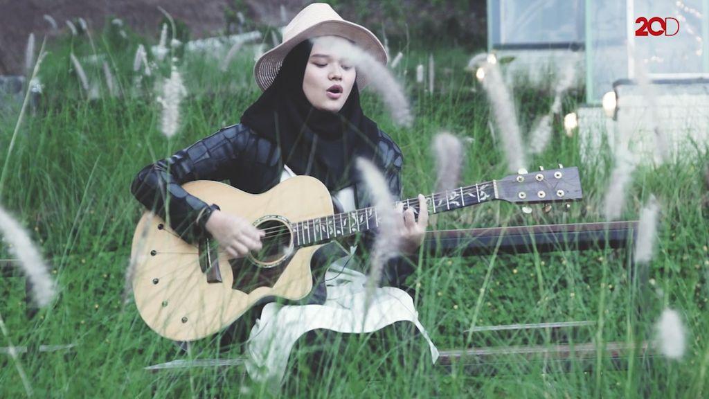 Kecintaan Sabine Fatimah Pada Musik