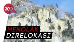 Batu Vs Gas Air Mata Dalam Bentrok Panas di Bolivia
