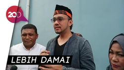 Makna Ramadan Bagi Sandy Tumiwa