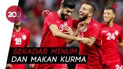 Terungkap! Pemain Tunisia Pura-pura Cedera Biar Bisa Buka Puasa