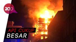 Gedung Sekolah di Glasgow Terbakar