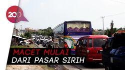 Penampakan Kemacetan Parah Menuju Anyer