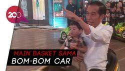 Keseruan Jokowi Ajak Cucu Main di Transmart