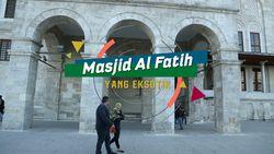 Masjid Al Fatih yang Eksotis