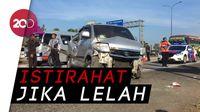 Supir Ngantuk Satu Mobil Ringsek di Tol Cipali