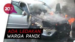 Mobil Hangus Terbakar saat Diparkir