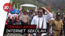 Tinjau Palapa Ring, Menkominfo Blusukan ke Puncak Jaya