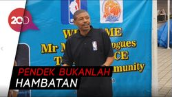 Sandi Main Basket Bareng Mantan Pemain NBA Muggsy Bogues