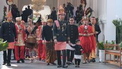 Bikin Gemas! Jokowi Ditemani Sang Cucu, Jan Ethes di Istana