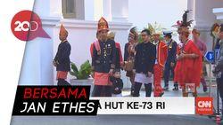 Presiden Jokowi Gagah Berbusana Adat Aceh