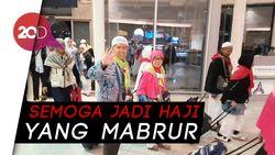 Jemaah Haji Gelombang Kedua Mulai Diberangkatkan ke Tanah Air