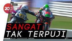 Aksi Jahat Pebalap Moto2 Romano Fenati