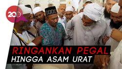Jemaah Ini Jadi Perhatian karena Terapi 'Keplek' di Masjid Nabawi