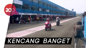 Ganindra Bimo Menjajal Motor Marquez Versi Jalan Raya