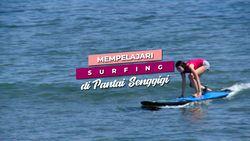 Mempelajari Surfing di Pantai Senggigi