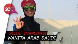 Menyelam Jadi Hobi Baru Wanita Arab Saudi
